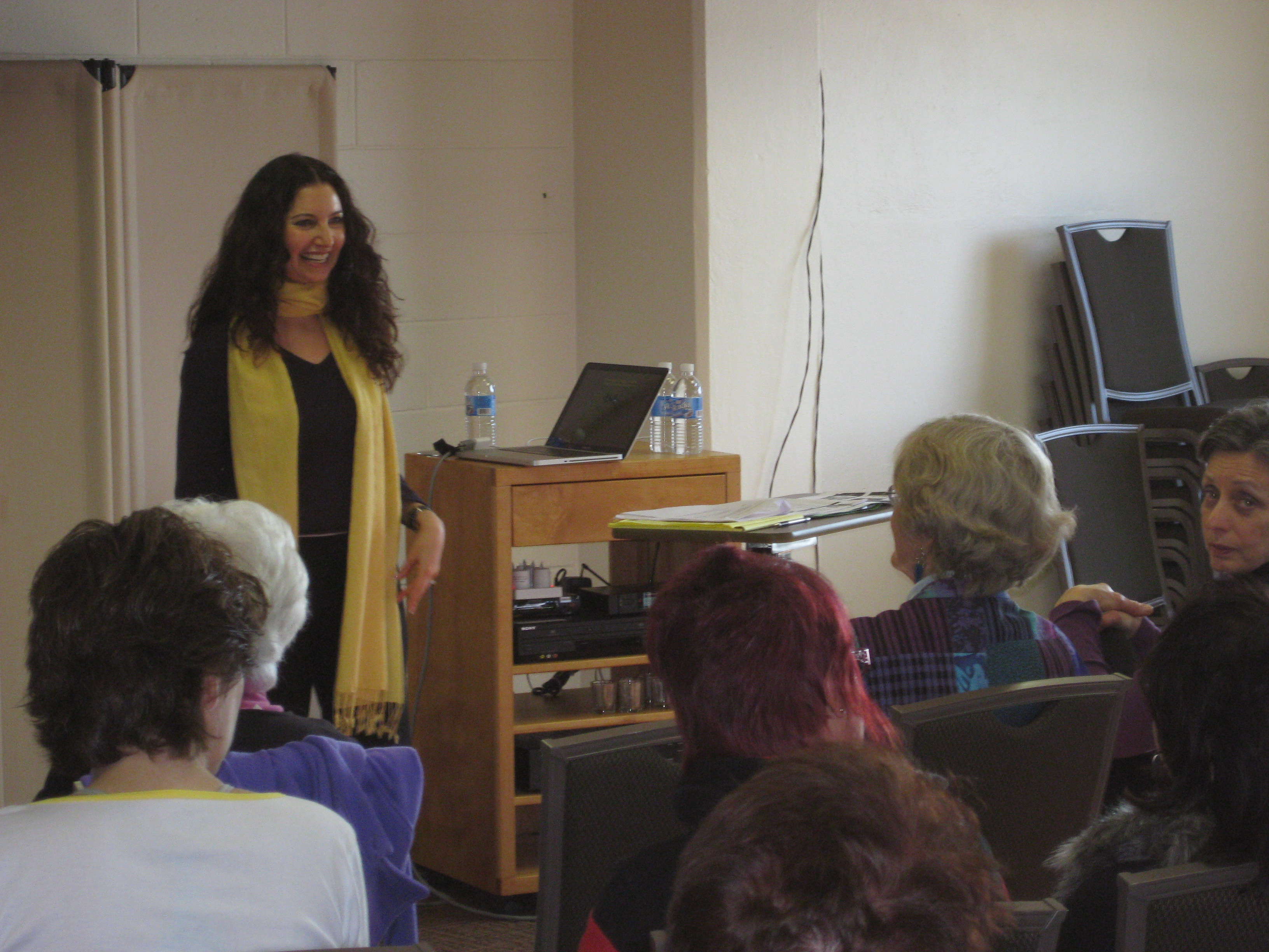 04_Melanie lecturing copy 2